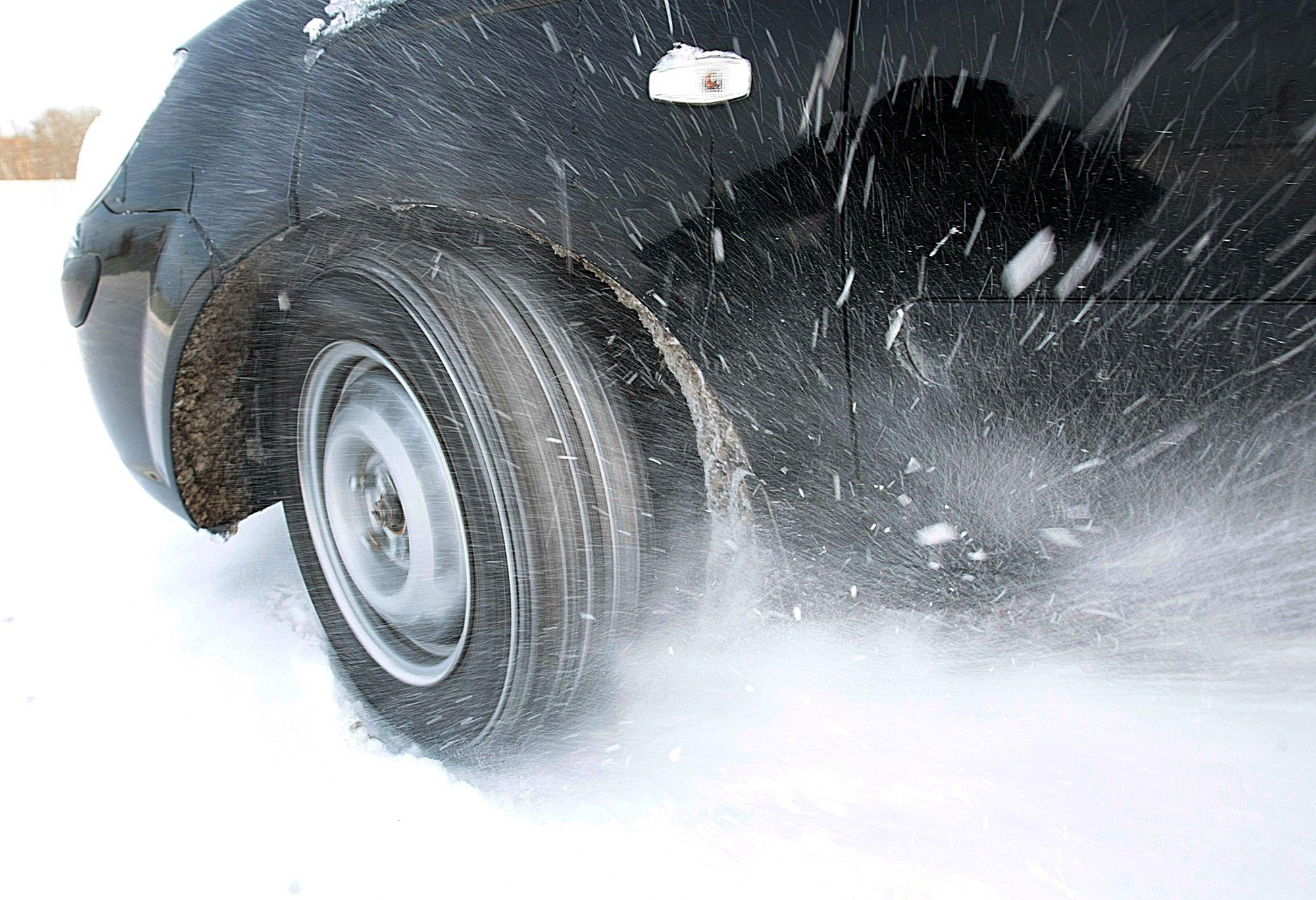 Когда в Украине менять летние шины на зимние
