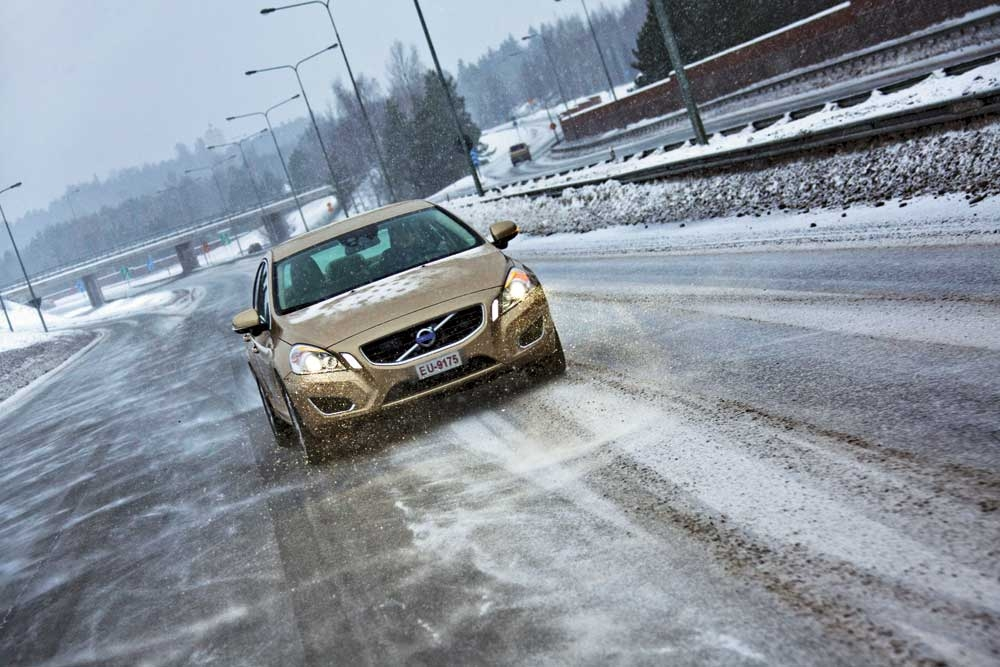 Hankook Winter i*Cept RS W442 - качество, безопасность, экономичность